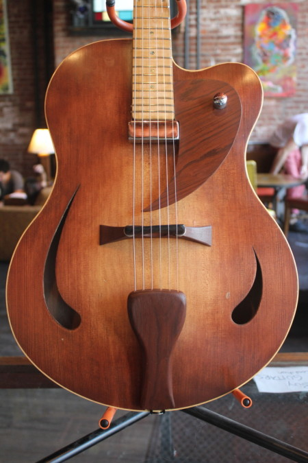 CustomArchtop02